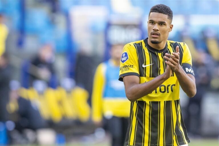 Danilho Doekhi na de nederlaag tegen Go Ahead Eagles