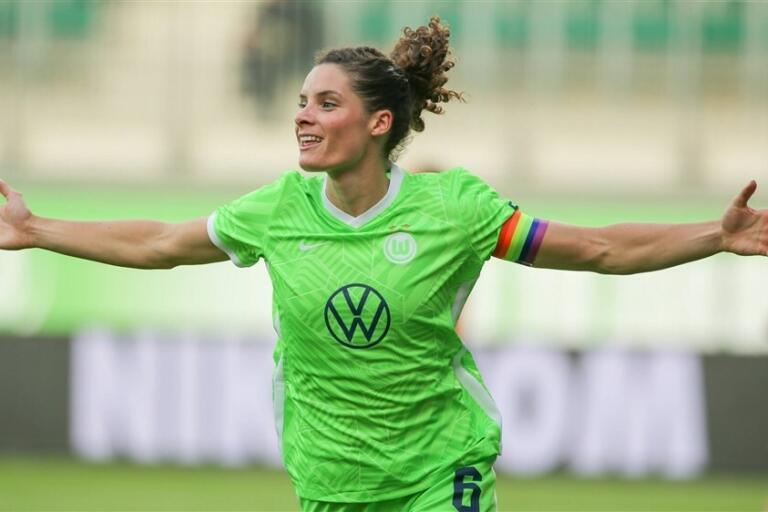 Dominique Janssen scoort voor VfL Wolfsburg