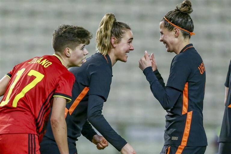 Jill roord merel van dongen oranjeleeuwinnen belgie 602ecdfd421a3