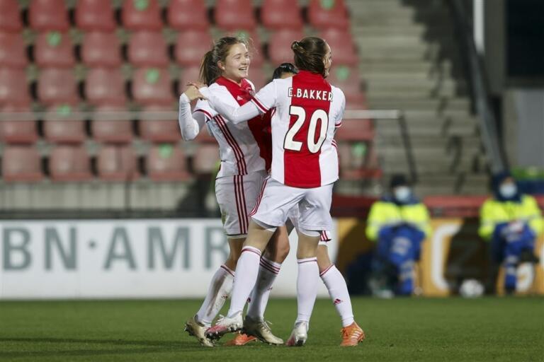 Jonna van de velde goal ajax 5fd36cb9e30ce