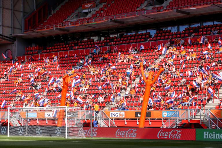 Op fans oranjeleeuwinnen 60c8d8869169d