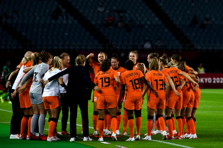 Op oranjeleeuwinnen team 60fa72553d190