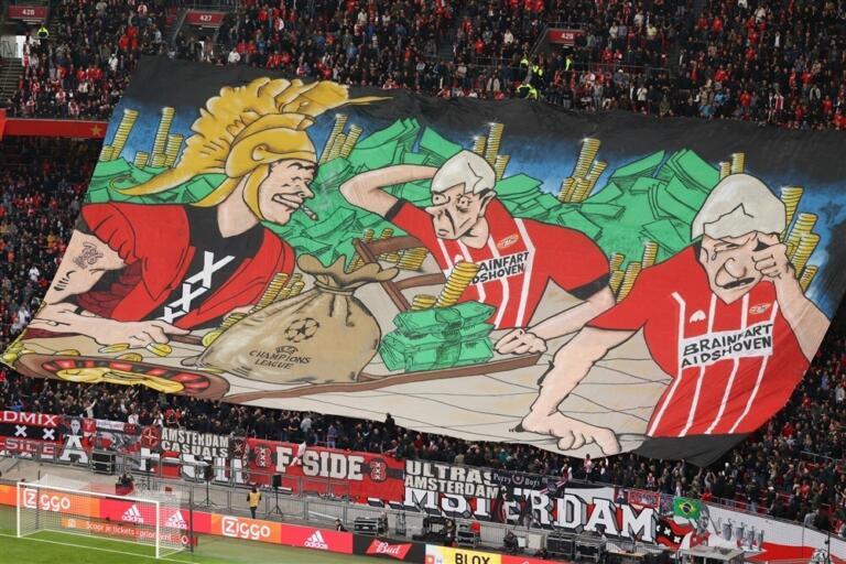 Het spandoek dat getoond werd voor Ajax - PSV