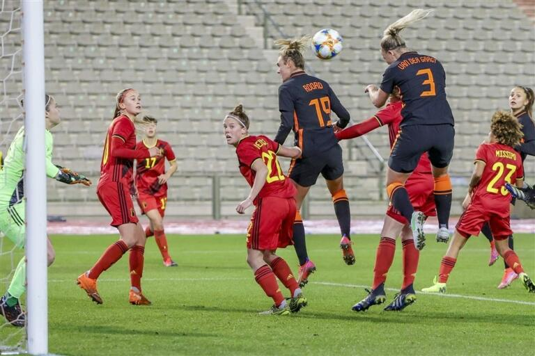 Stefanie van der gragt goal oranjeleeuwinnen belgie 602ed121e0498